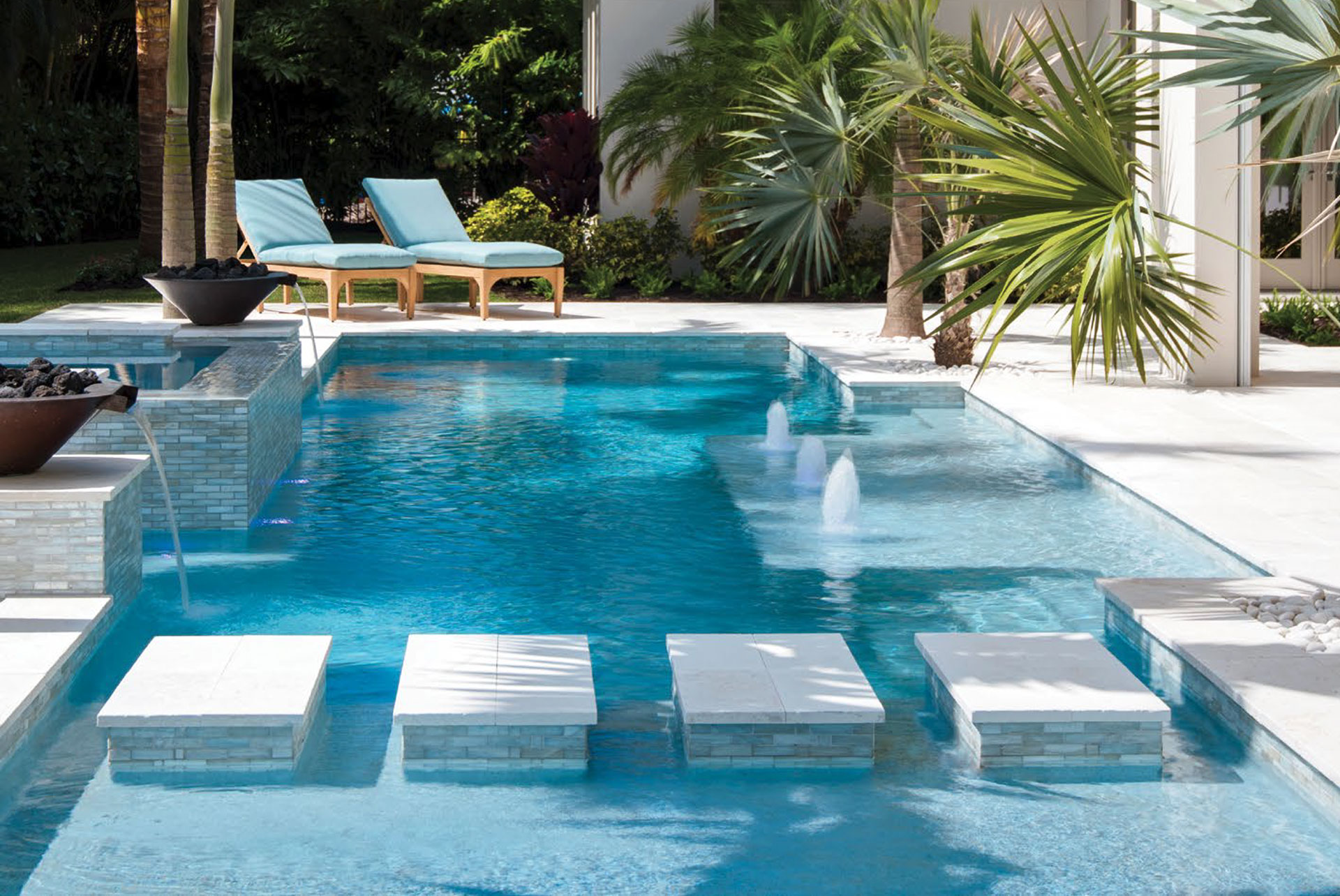 Calusa bay design florida design magazine creating for Pool design naples fl
